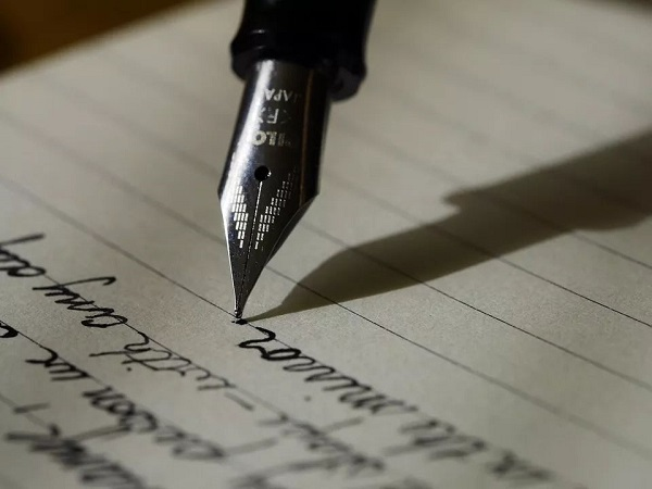 微信朋友圈文案短句干净治愈50句 值得收藏与用作签名