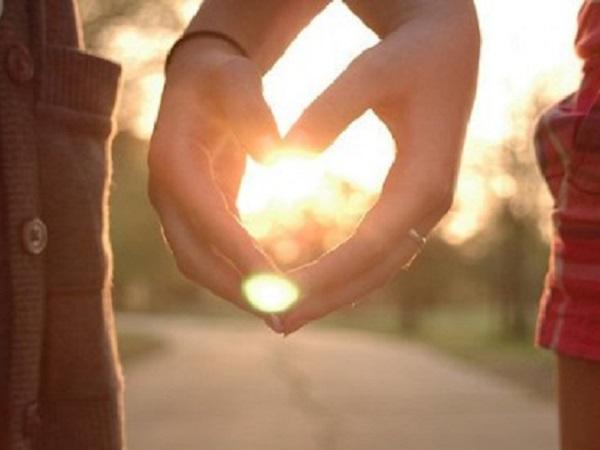 表达痛苦的爱情说说 在感感情上痛苦的简短句子