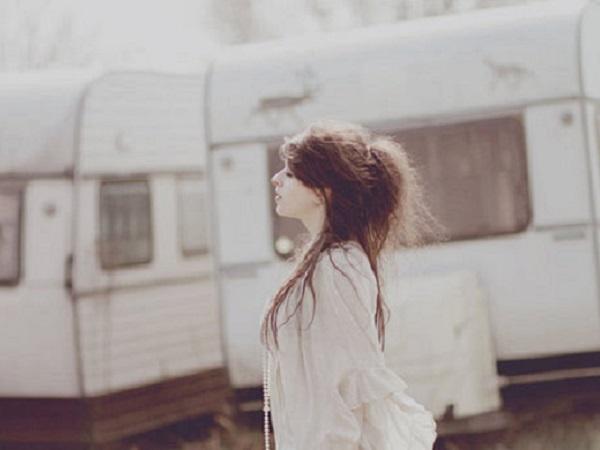 适合宝藏女孩的唯美短句子 万事都要全力以赴 包括开心
