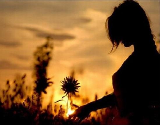 适合深夜发的伤感说说 看清一个人,只需要时间问题