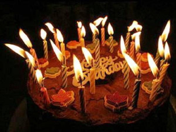 祝自己生日快乐的微信心情说说 表达自己生日的句子