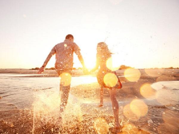 打动人心的简短爱情句子 治愈系温馨爱情句子大全