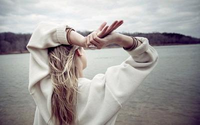 句句痛心的朋友圈伤感说说 一句简单的伤感说说