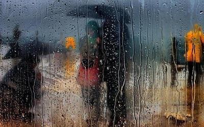 下雨天的心情说说 有关下雨的短文句子
