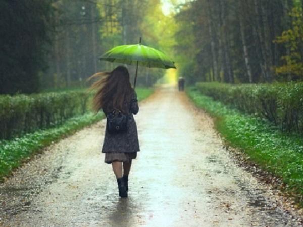适合下雨天发的朋友圈说说 下雨天朋友圈优美短语