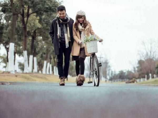 有关爱情的说说小句子 我们的爱情,一切都已花逝
