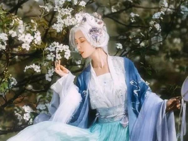 具有诗意的简短表白情话 希以赤心得珍爱,白头到老不悔辞