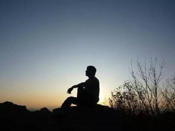 内心感到孤独的心情说说 表达自己孤独的简短句子