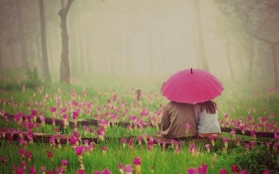 爱情说说句子 如果我不能替你撑伞那我就陪你淋雨