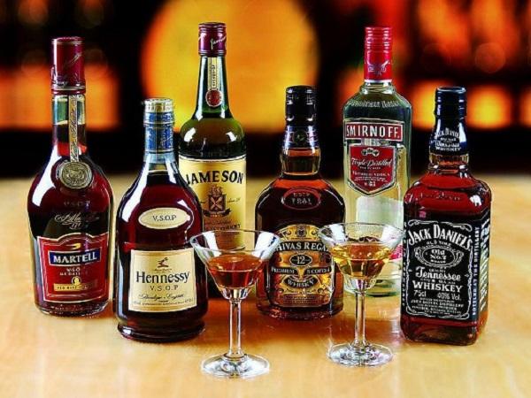 关于喝酒的人生哲理句子 经典的喝酒人生诗句,简短精辟
