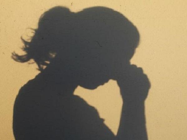 有关爱情的伤心说说 都说放弃了,为什么还要留下回忆