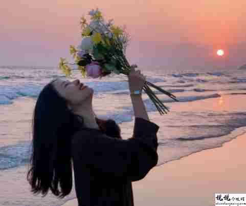 安慰别人戳心窝子的话 能够很暖别人心的安慰句子