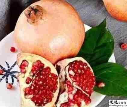 又到了吃石榴的季节的说说 吃石榴发朋友圈的短句