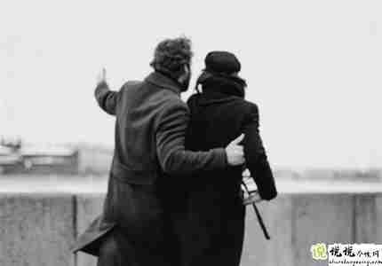 情侣一人一句的文案 适合情侣的说说一人一句